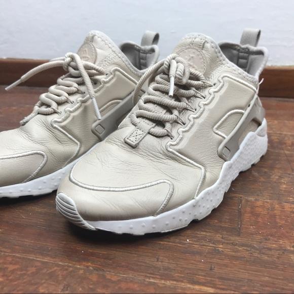 Nike Shoes   Nude Huarache Ultra Size 6